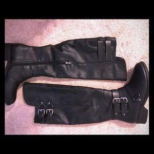 DV by Dolce Vita Black Knee-High Flat Boots 7.5 M